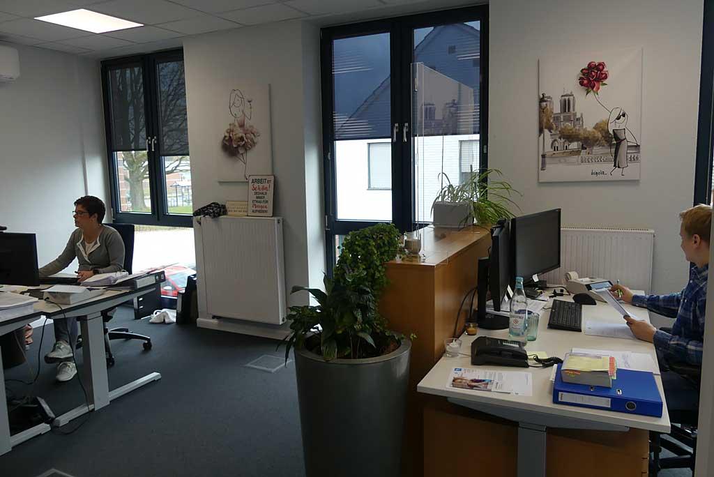 ... in unseren Büros.
